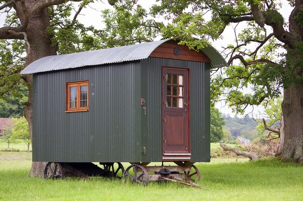 shepherds-hut-896583_1920