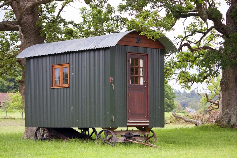 shepherds-hut-896583 1920